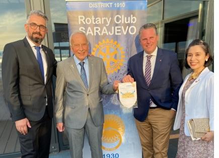 Exchange of Fanions with the Rotary Club Sarajevo